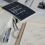 Trockene Dokumente auf der Baustelle
